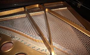 Klavier, Saitenbezug