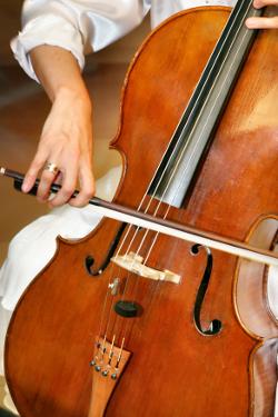 Violoncello-Spiel